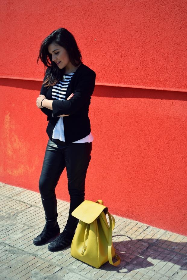 bulgarian-fashion-blog-petitemod-leather-legging